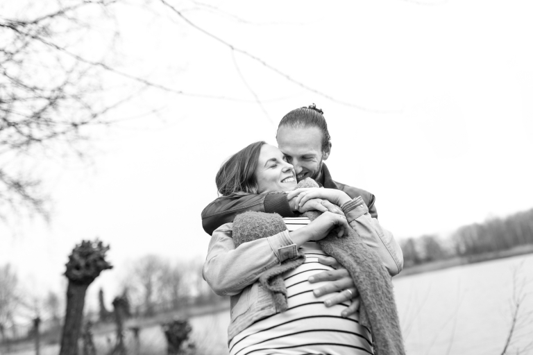 loveshoot zwanger martha bruin fotografie naaldwijk lifestylefotografie zwangerschapsshoot zwangerschapsfotografie